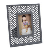 Classic Wooden Picture Frame for Home Decoration