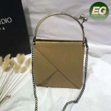 Fashionable Chain Design Kraft Paper Bag Luxury Gift Hand Bags with Metal Handle Sh160