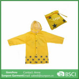 Waterproof Cartoon Children′s Raincoat for Kids Aged 4-12