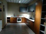Modern Style Kitchen Cabinet Shaker Door or Flat PVC Door Panel Blum Brand Hinge and Soft-Close Hardware Customized Cabinet