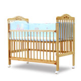High Quality New Zealand Pinewood Certificated Environmental Baby Cot with Castors