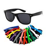 Wholesale 2019 Modern Design Sunglasses Unisex Cheap Fashion Promotional Plastic Sunglasses