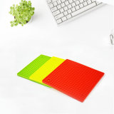BPA Free Wholesale Custom Kitchen Square Shape Heat Resistant Silicone Trivet Mat