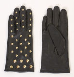 Ladies Fashion Sheepskin Leather Driving Gloves with Metal Studs (YKY5157)