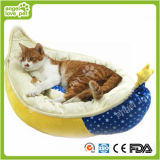 High Quality Crescent Shape Soft Warm Pet Bed (HN-pH578)