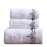 Custom Embroidered Logo White 100 Cotton 5 Star Luxury Hotel Bath Face Towel Traveling Hand Towel Cleaning Bathroom Towel Set