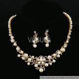 VAGULA Fashion Pearl Rhinestone Jewelry Necklace Sets (Hln16423)