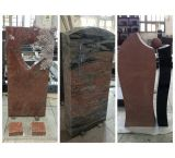 Upright Red Granite Monument Carved Flowers Popular in Germany