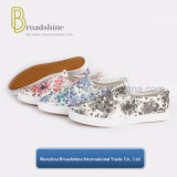 Flowers Printing Canvas Shoes with Flat Sole