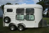 Campering Two Horse Slant Load Deluxe L860 Horse Trailer