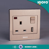 China Supply 13A Wall Socket with 1 a USB Socket, British Standard Wall Outlet with USB