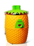 Eye-Catching Pineapple Shape Cute Juicer Extractor J21