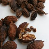 Cao Guo Wholesale Crude Herbs Natural Spices Dried Tsaoko Amomum Fruit in Bulk