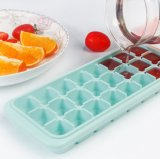 Creative Silicone Ice Tray Mold with Lid Household Ice Cube Mold Ice Box Complementary Food Box
