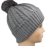 Knitted Beanie in Solid Color NTD1644
