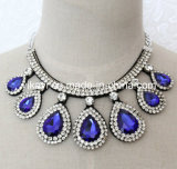 Lady Fashion Waterdrop Glass Crystal Collar Necklace Costume Jewelry (JE0193)