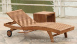 Modern Hotel Outdoor Beach Poolside Teak Wooden Lounge Chairs with Wheels