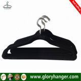 Wholesale Flocking Hanger with Metal Hook Plastic Velvet Clothing Hanger for Suppermarket Hot Sales 2017
