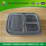 Bandeja plástica de la preparación de la comida con la cubierta