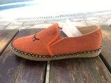 女性の靴のゴム製Outsoleロープの平らな刺繍の偶然のスリップ