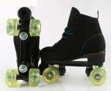 大人のための点滅の車輪の4-Wheelローラースケートの靴