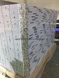CNCによるラウンド・コーナが付いているアルミニウム蜜蜂の巣のパネル