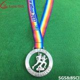 Médailles de rotation argentées faites sur commande de récompense de sport d'usine