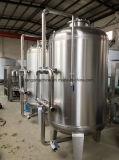 Boire de l'eau minérale en bouteille de l'embouteillage de l'emballage de ligne de production