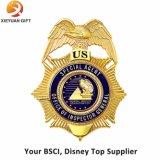 China-Qualitäts-Fabrik-kundenspezifisches Goldmetallabzeichen