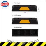 Verkehrssicherheit-Gelb-gestreifter Gummiauto-Parken-Rad-Stopper