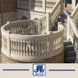 白いベージュ大理石の手すりの屋内Balusters