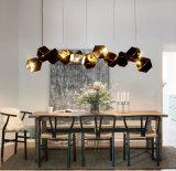 Luz decorativa com preto e dourado