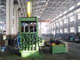 Máquina de enfardamento de fios e resíduos de algodão