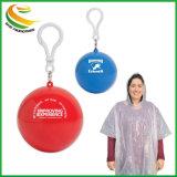 100% degradables Poncho de plástico impermeable a la pelota con llavero