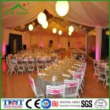 Сверхмощное шатёр шатра венчания партии под светами