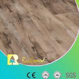 plancher en bois en stratifié stratifié par planche de vinyle du parquet E1 gratté par main de 12.3mm