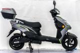 Motocicleta elétrica funcional com caixa traseira grande
