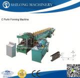 Helle Kiel-Baumaterial-Rolle, die Maschine bildet