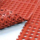 Color rojo, alfombra de césped de goma hueco para el área de juegos
