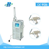 Le resurfaçage de la peau et de la cicatrice dépose laser fractionnel machine laser CO2 de la dermatologie verticalement de 60 W haute énergie