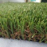 庭の景色は人工的な草の偽造品の泥炭をリサイクルする