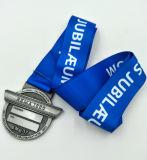 昇進の顧客のデザインによってエナメルを塗られる金属メダル