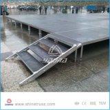 Le matériel d'étape présente des étapes d'aluminium de plate-forme