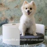 新しい顧客用アクリルの曲げられた犬のベッド