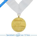 中国リボンのエナメルの紋章のフットボールのギフトが付いているカスタム賞の円形浮彫り