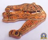 Подгонянный трудный значок плакировкой эмали & золота