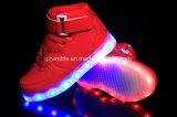Дети верхних ботинок сбывания СИД накаляя цветастые освещают вверх тапки