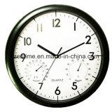 O relógio montado na parede