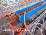 Decking de WPC/el panel de la cerca/de pared/poste plásticos de madera que hace la máquina del perfil de la máquina WPC