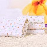 美しいカスタマイズされたデザイン有機性柔らかい綿のガーゼの赤ん坊は毛布を包む